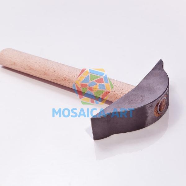 Фигурный молоток для колки смальты и камня с одним победитовым наконечником