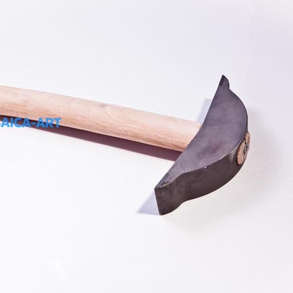 Фигурный молоток для колки смальты и камня с двумя победитовыми наконечниками